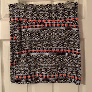 stretchy patterned skirt